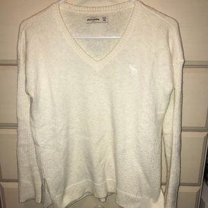 Abercrombie kids size 15/16 cream v neck sweater